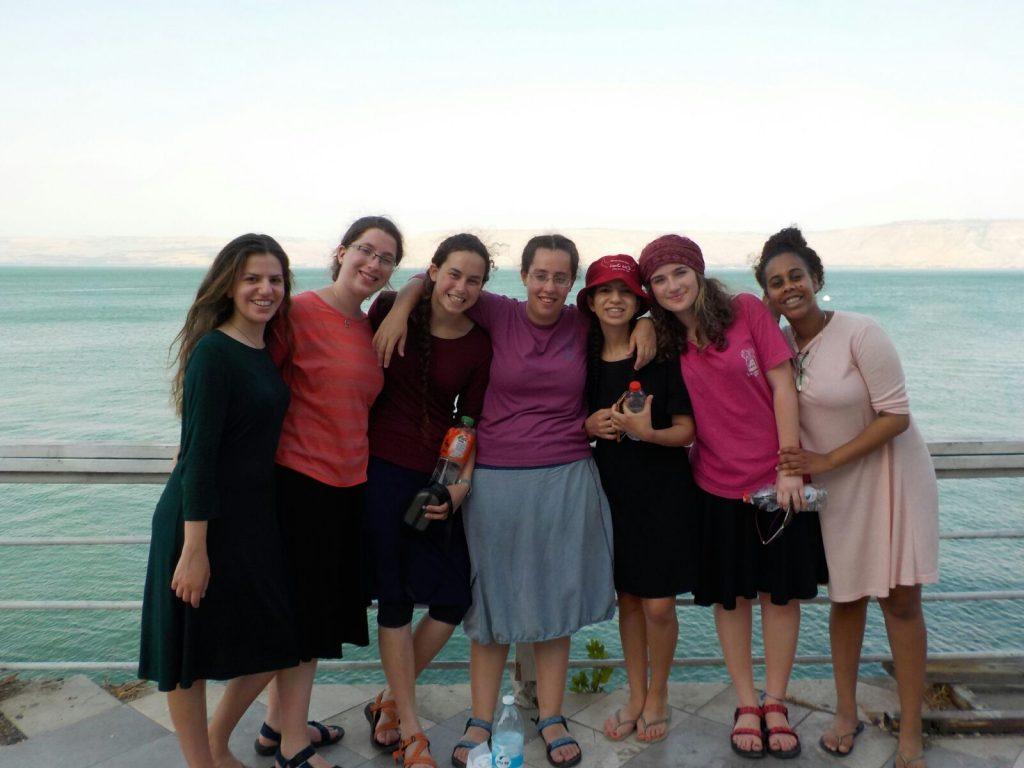 בנות גרעין תורני רעננה בטיול