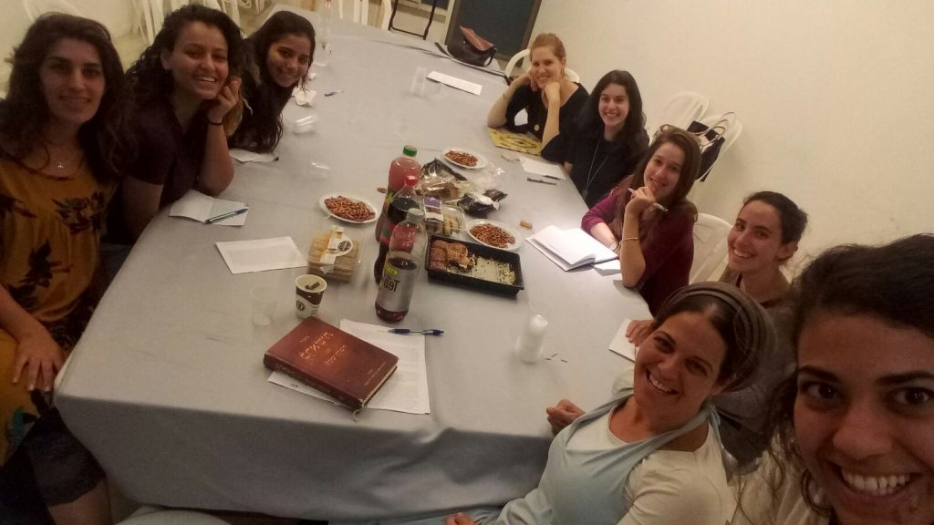 שיעור במדרשת הבית היהודי ברעננה